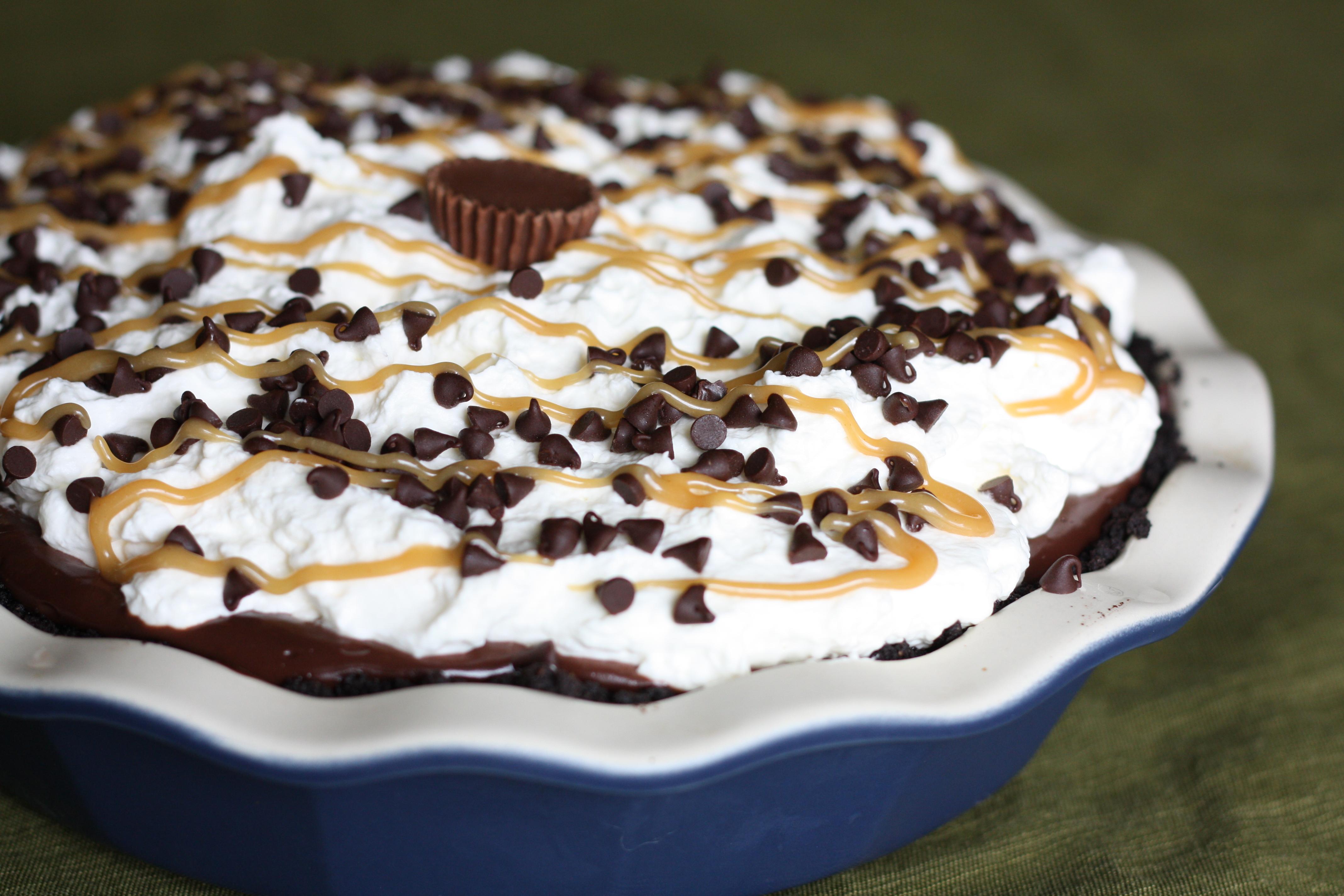 Chocolate Peanut Butter Cream Pie | The Gourmand Mom