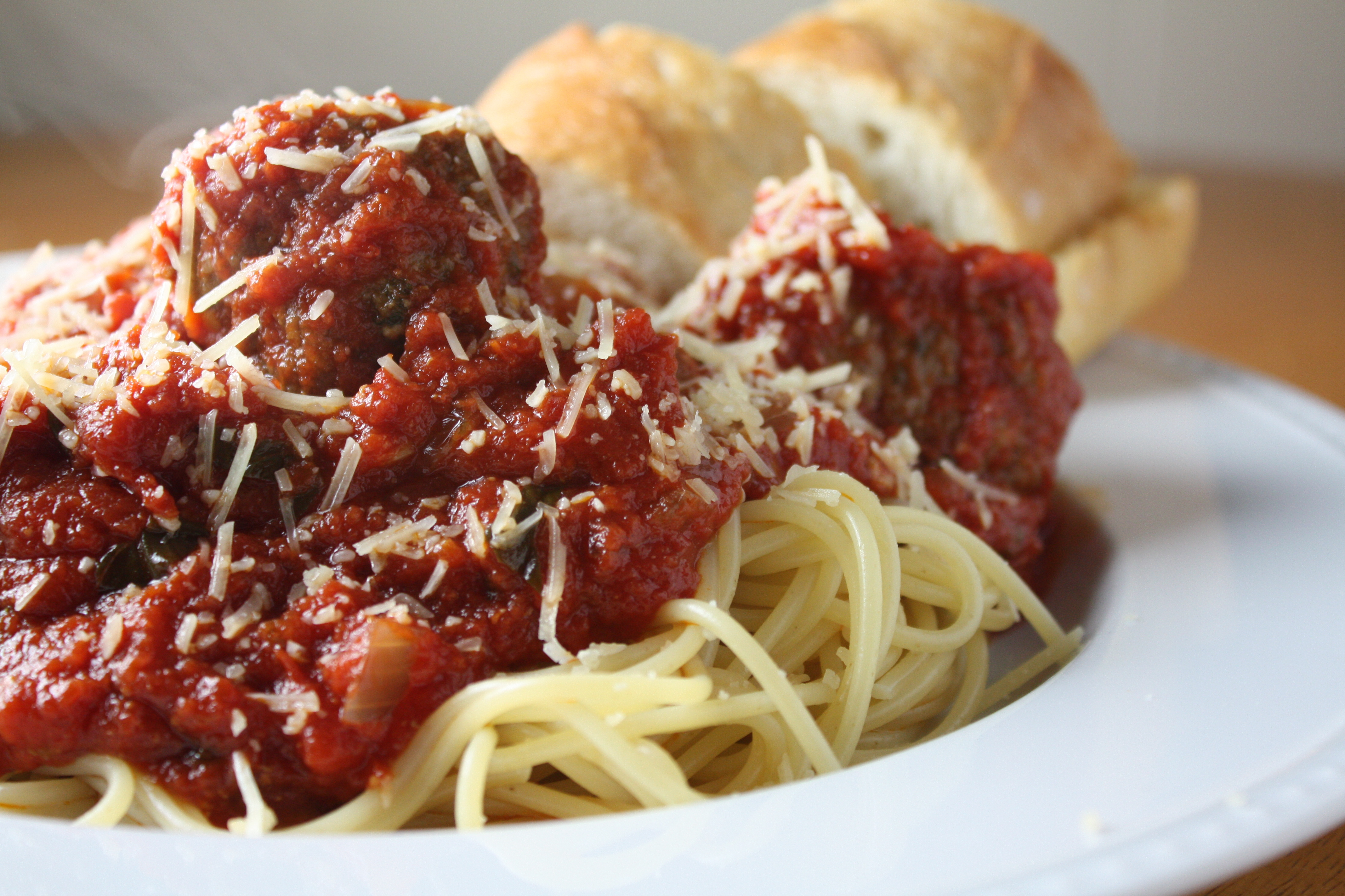 Spaghetti and Meatballs in Homemade Tomato Sauce | The Gourmand Mom