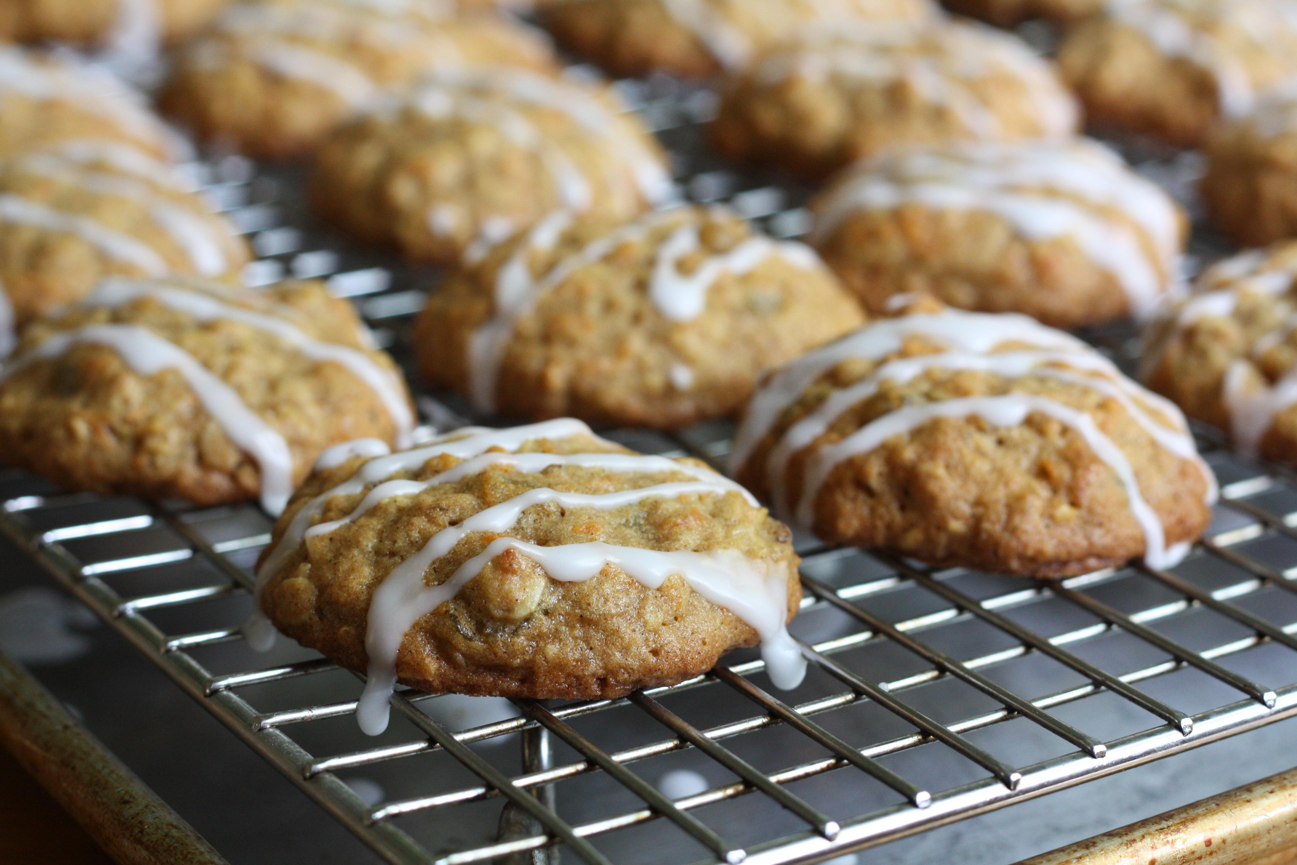 Carrot Cake Cookies | The Gourmand Mom
