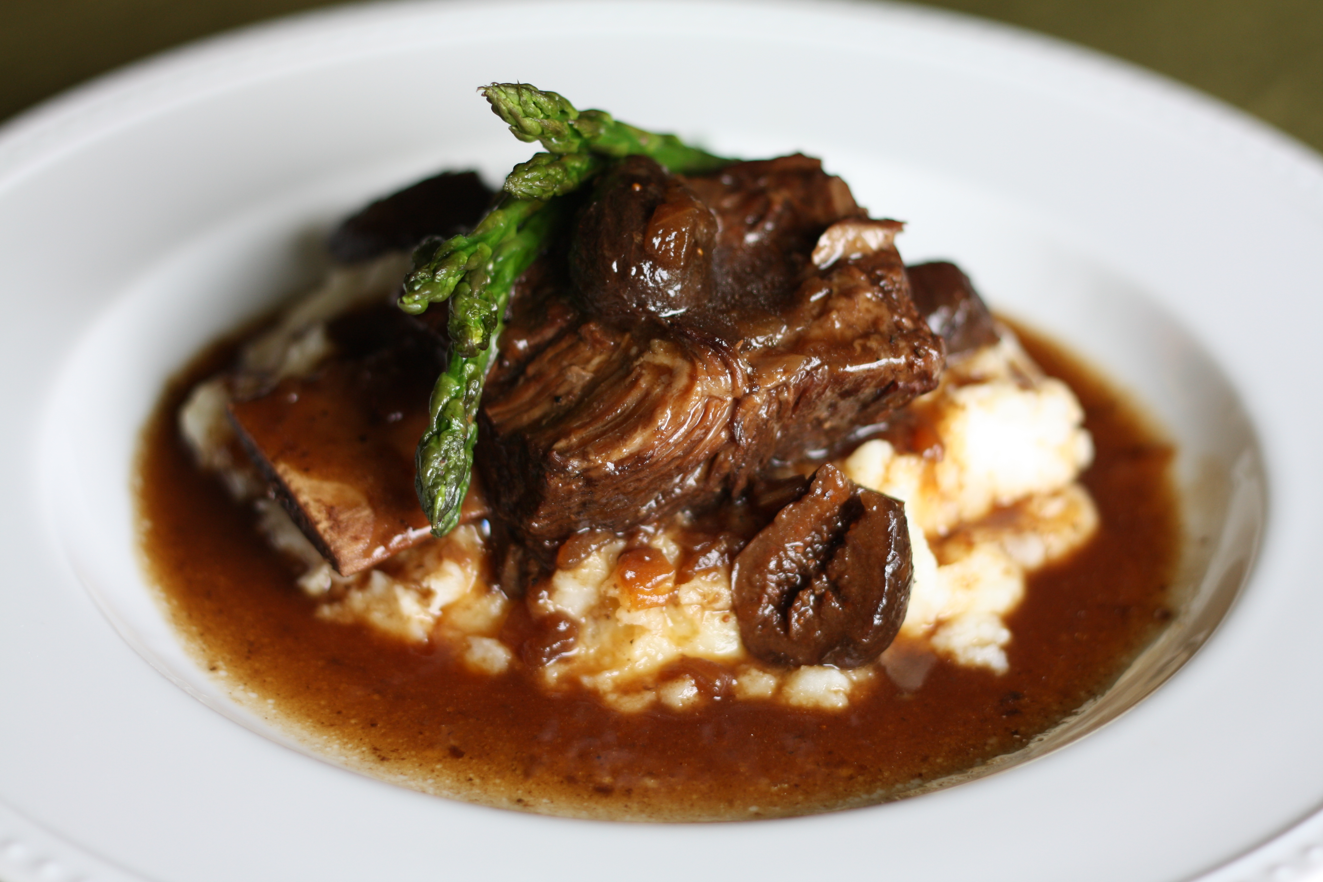 Braised Beef Short Ribs with Figs and Creamy Brie Potatoes | The ...